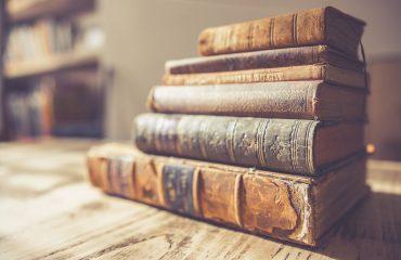 book-2572013_1920
