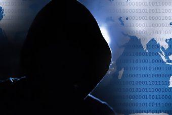 """Dal 9 Aprile Facebook ci dirà chi è stato """"spiato"""" da Cambridge Analytica"""
