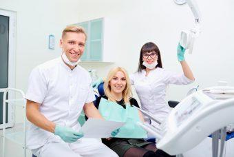 Cliniche dentali: come cambia il settore e quali sono le sfide da affrontare