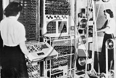 Colossus, il primo computer elettronico programmabile (Regno Unito, 1943).